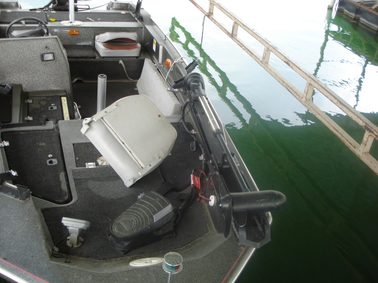 85 Bass Boat Max 2 People