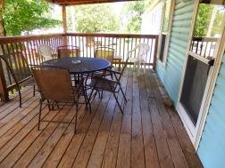 Cabin 10, Deck